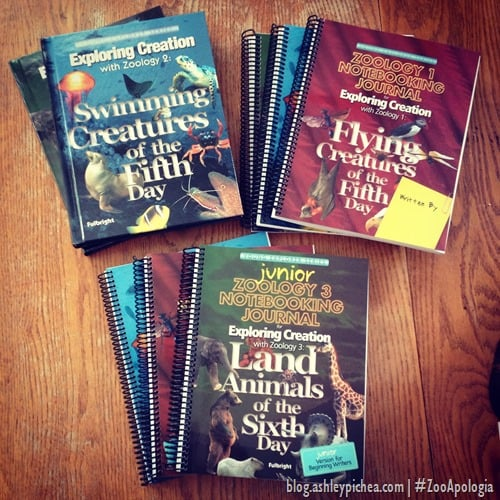 Apologia Zoology Textbooks and Notebooking Journals | #ZooApologia