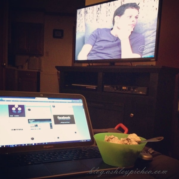Watching TV while attempting to work | A Day in the Life of a Work-at-Home, Homeschooling Mom