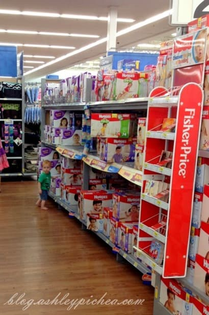 Chris choosing Parents Choice Diapers #BabyDiapersSavings #CollectiveBias #shop