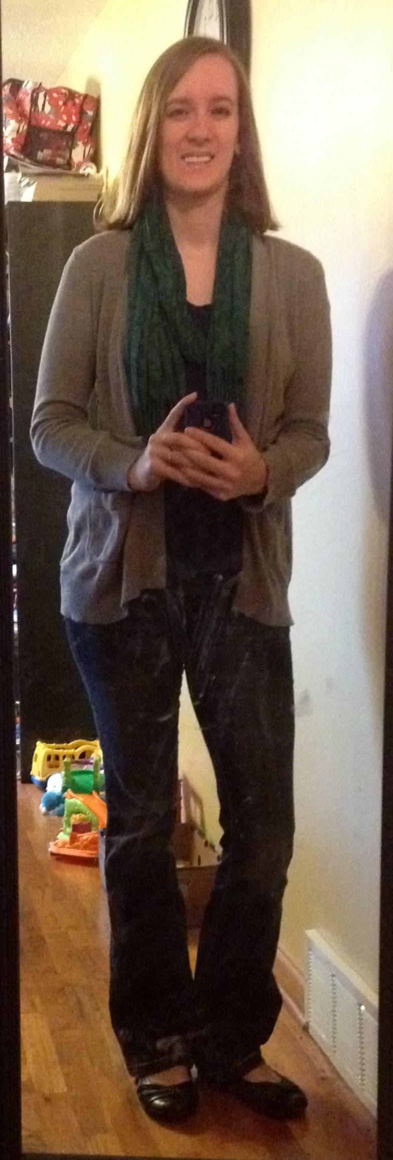 blue t-shirt, gray cardigan, green scarf, jeans, black flats