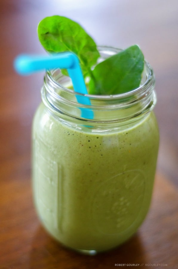 green smoothie with kale and spinach - a superfood for kids