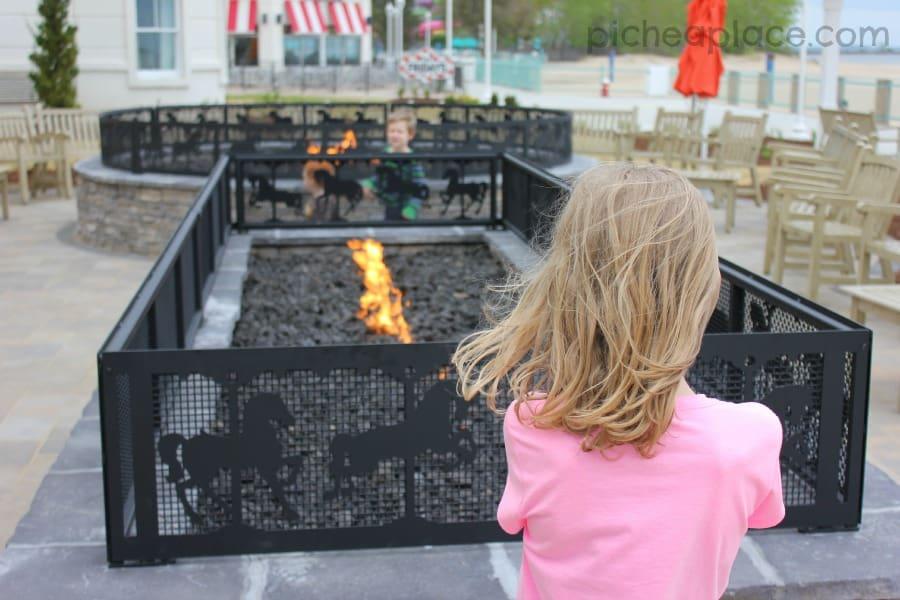 Hotel Breakers - outdoor fire patio