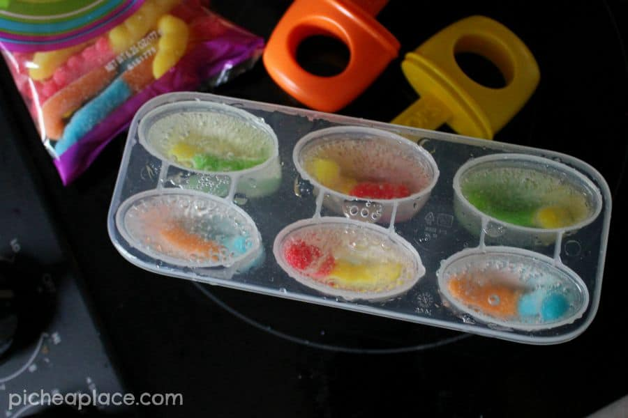 Sweet and Sour Fizzy Gummy Pops