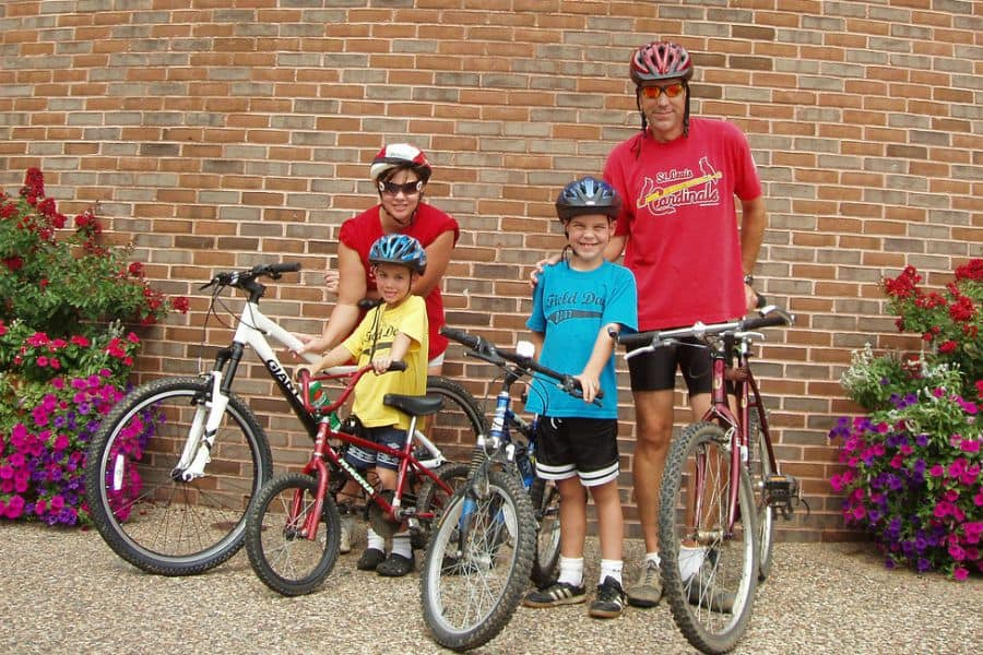 How to Make Healthy Eating and Exercise a Family Affair