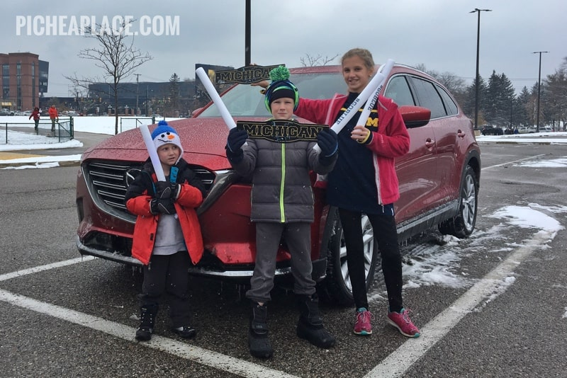 Experience Gift Ideas for Kids: Driving to a Michigan Basketball Game in a 2018 Mazda CX-9 #drivemazda #hosted