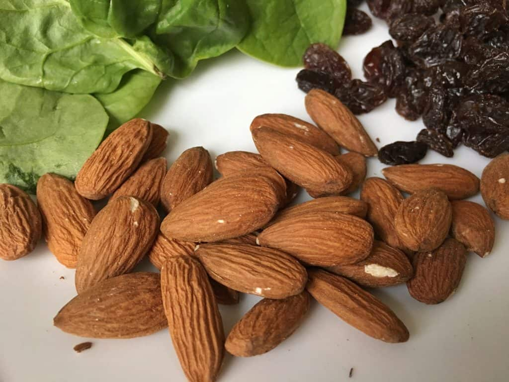 almonds are a great healthy food choice for better nutrition during pregnancy